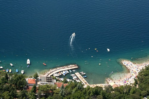 wakacje chorwacja hotele baska voda noclegi